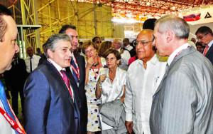 Ricardo Cabrisas (CD), vicepresidente del Consejo de Ministros, durante su visita al pabellon de Rusia, durante la inauguracion de la XXXIII Feria Internacional de La Habana FIHAV 2015, en el recinto ferial Expocuba, en La Habana, el 2 de noviembre de 2015. AIN FOTO/Marcelino VAZQUEZ HERNANDEZ/oca